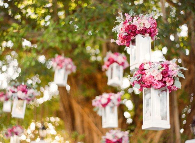 Arranjo de flores no ar