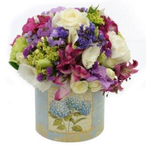 Arranjos de flores criativos - delicado mix de flores nobres