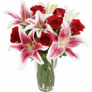 Lírios e Rosas no Vaso