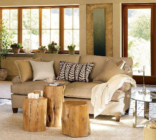 Sala decorada com troncos