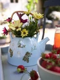 Arranjos de Flores para Mesa na Chaleira
