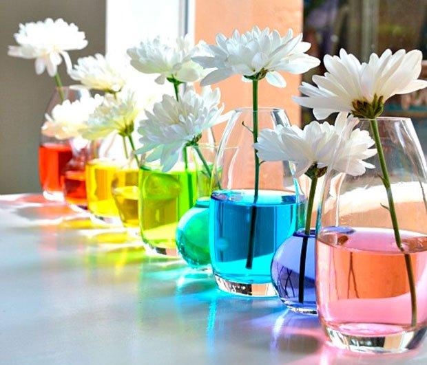 Arranjos de Flores para Mesa em água colorida