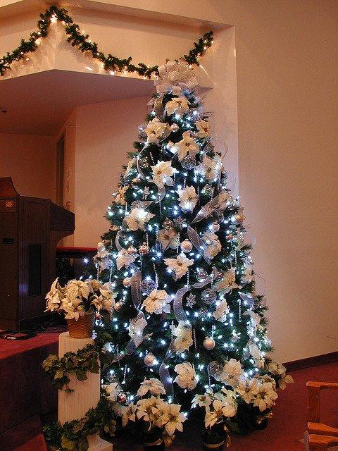 Christmas Tree Natural Decorating