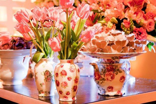 Decoração com tulipas