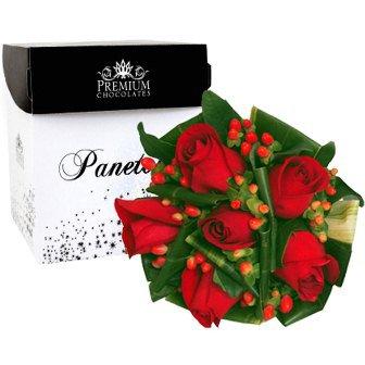 Panettone Gotas de Chocolate Premium com Buquê de Rosas