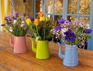 Como fazer jardim reciclável com utensílios de cozinha