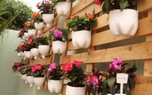 Como fazer jardim reciclável com garrafas pets