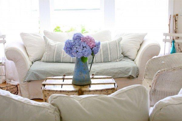 flores na sala de estar