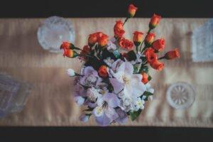 crie-lindos-arranjos-de-flores-artificiais
