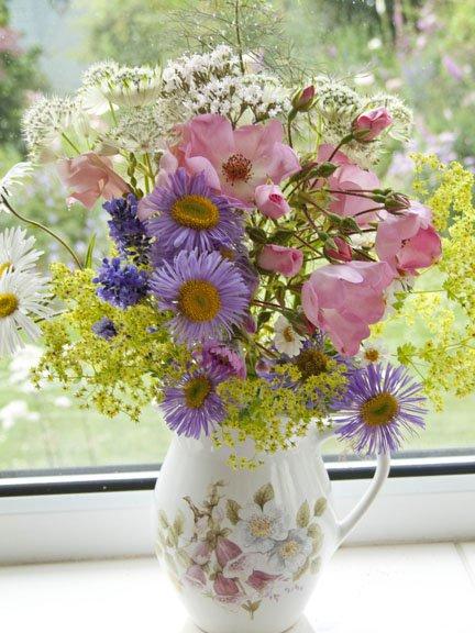 flores-do-campo-na-jarra