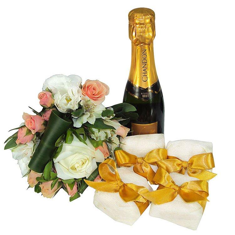 bem-casados-champanhe-brinde-bodas-casamento