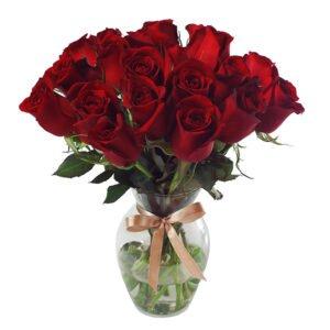 como-montar-um-vaso-de-flores-rosas-vermelhas