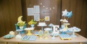 Decoração de festa infantil azul e amarela