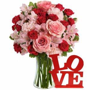 uxuoso Mix de Flores e Placa Love