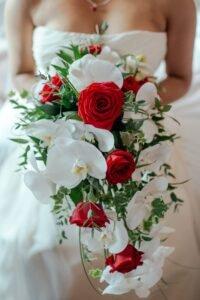 Buquê de noiva de orquídea: Como escolher a cor certa?