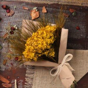 close buquê de flores secas