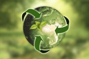 planeta terra com símbolo de reciclagem para o Dia do Meio Ambiente